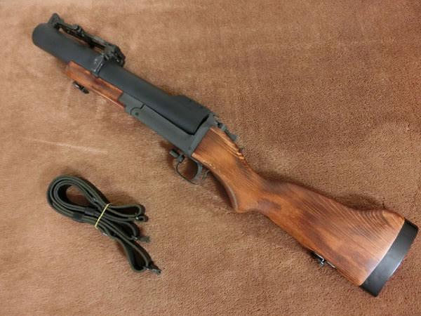 M79グレネードランチャー2