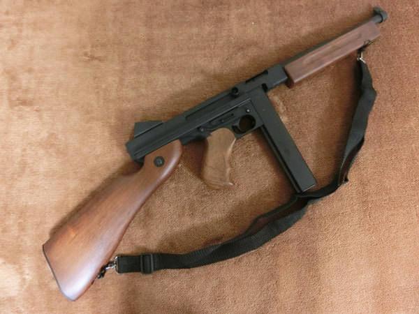 トンプソン M1A13