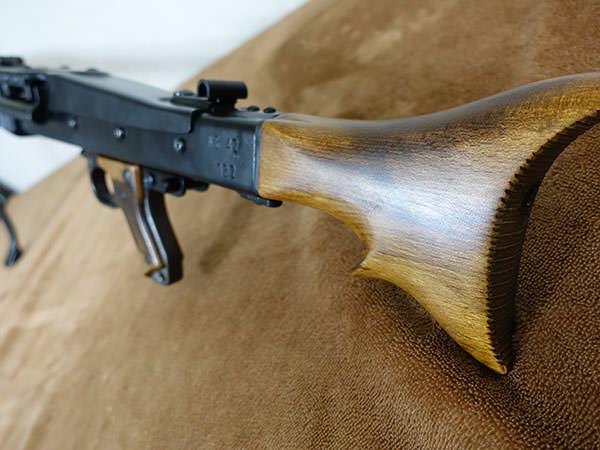 MG422