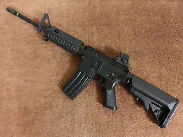 M4カービン カートレス EBB3