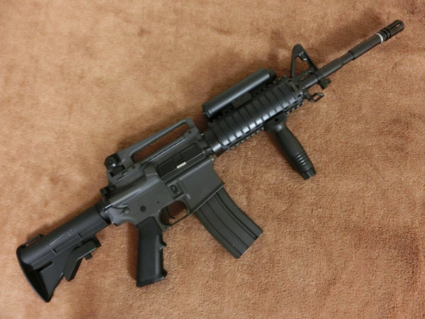 コルト M4A1 RIS2