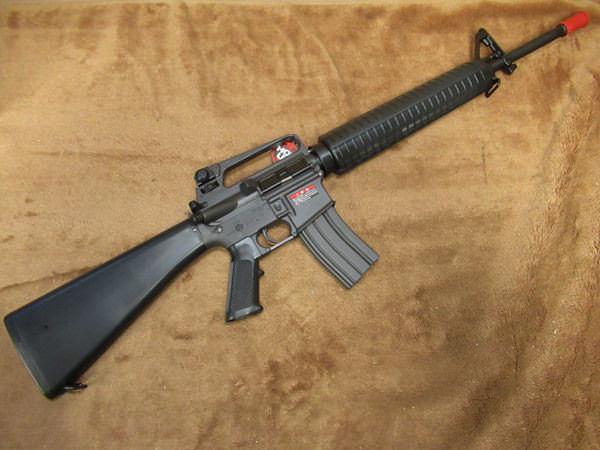 コルト M16A22