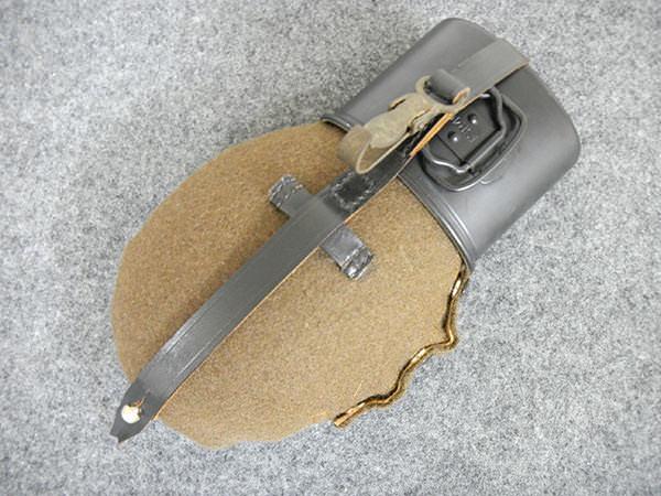 ナチスドイツ軍 M31 水筒 レプリカ 買取